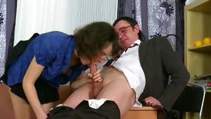 Unshaved scrumptious tramp is getting her used in a nasty doggy style
